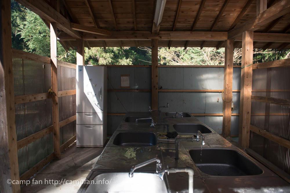 炊事場:椿荘